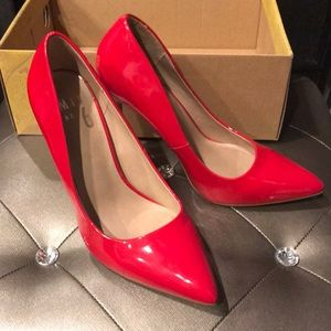 Red Glossy pointed toe pumps ❤️